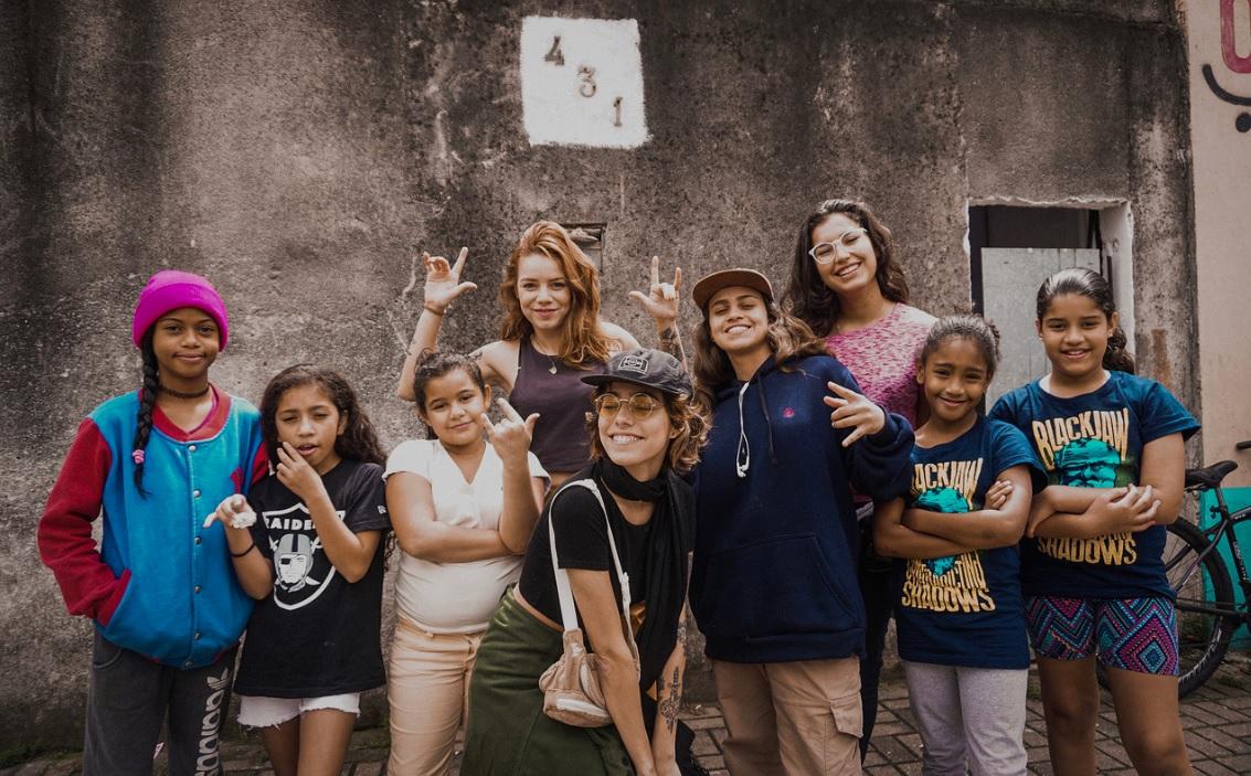 Entregamos pares para todas as garotas participantes da Mary Jane Social Skate School
